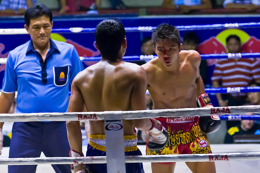 Thai boxing match (Muaythai), Ratchadamnoen Boxing Stadium, Bangkok, Thailand