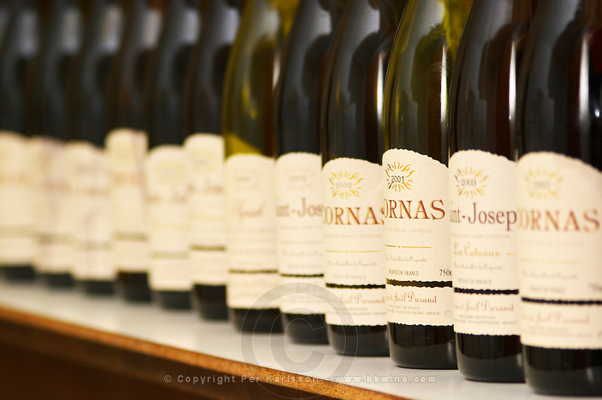 A long line of bottles for tasting in the tasting room, Cornas, Saint Joseph, Syrah,... Domaine Eric et Joel Joël Durand, Ardeche, Ardèche, France, Europe