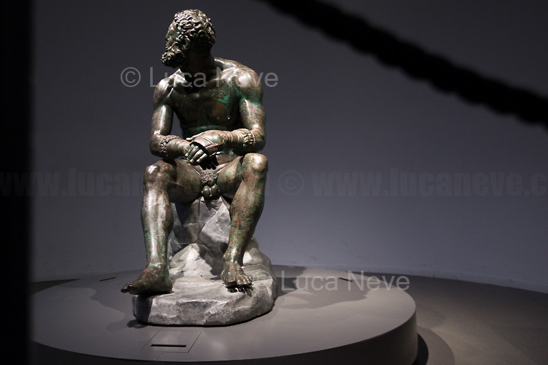 Pugile in riposo (AKA Pugile delle Terme, Pugile del Quirinale).<br />