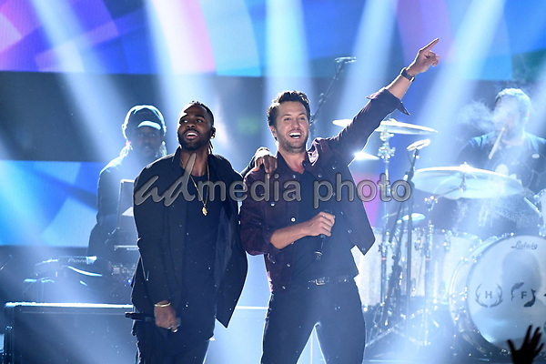 07 June 2017 - Nashville, Tennessee -  Luke Bryan, Jason Derulo. 2017 CMT Music Awards held at Music City Center. Photo Credit: Laura Farr/AdMedia