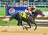 Samra I Am winning at Delaware Park on 7/27/16