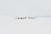 Die Dyranut Fjellstova Berghuette des Norwegischen Wanderverein, DNT, auf der Hardangervidda Hochebene im Winter.<br /> 9.1.2020, Dyranut<br /> Copyright: Christian-Ditsch.de<br /> [Inhaltsveraendernde Manipulation des Fotos nur nach ausdruecklicher Genehmigung des Fotografen. Vereinbarungen ueber Abtretung von Persoenlichkeitsrechten/Model Release der abgebildeten Person/Personen liegen nicht vor. NO MODEL RELEASE! Nur fuer Redaktionelle Zwecke. Don't publish without copyright Christian-Ditsch.de, Veroeffentlichung nur mit Fotografennennung, sowie gegen Honorar, MwSt. und Beleg. Konto: I N G - D i B a, IBAN DE58500105175400192269, BIC INGDDEFFXXX, Kontakt: post@christian-ditsch.de<br /> Bei der Bearbeitung der Dateiinformationen darf die Urheberkennzeichnung in den EXIF- und  IPTC-Daten nicht entfernt werden, diese sind in digitalen Medien nach §95c UrhG rechtlich geschuetzt. Der Urhebervermerk wird gemaess §13 UrhG verlangt.]