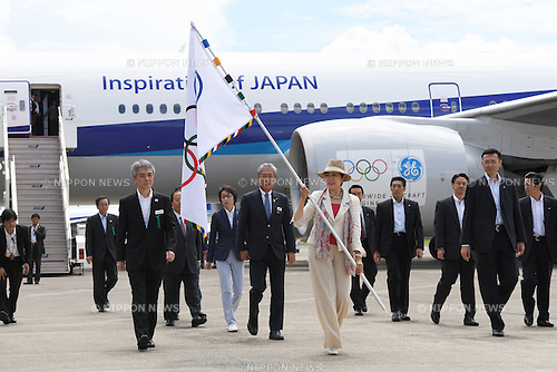 (L-R) Seiko Hashimoto, ,  JOCTsunekazu Takeda,  Yuriko Koike (Tokyo Governor), <br /> AUGUST 24, 2016 : The Olympic flag welcoming ceremony at Haneda Airport in Tokyo, Japan. The Olympic flag was passed to the Tokyo governor via the IOC President at the Rio de Janeiro 2016 Olympic Games closing ceremony on August 21. Tokyo will host the 2020 Olympic Games. (Photo by AFLO SPORT)