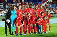 CALI - COLOMBIA - 19 - 05 - 2017: Las jugadoras de America posan para una foto, durante partido de ida entre America de Cali y el Independiente Santa Fe, por los cuartos de final de la Liga Femenina Aguila 2017, en el estadio Pascual Guerrero de la ciudad de Cali. / The players of Independiente Santa Fe, pose for a photo during a match for the first leg between America de Cali and Independiente Santa Fe, of the quarterfinals for the Liga Femenina Aguila 2017 at the Pascual Guerrero stadium in the city of Cali, Photo: VizzorImage / Nelson Rios / Cont.
