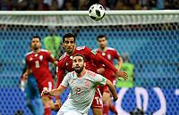 KAZAN - RUSIA, 20-06-2018: Vahid AMIRI (Izq) jugador de RI de Irán disputa el balón con Dani CARVAJAL (Der) jugador de España durante partido de la primera fase, Grupo B, por la Copa Mundial de la FIFA Rusia 2018 jugado en el estadio Kazan Arena en Kazán, Rusia. /  Vahid AMIRI (L) player of IR Iran fights the ball with Dani CARVAJAL (R) player of Spain during match of the first phase, Group B, for the FIFA World Cup Russia 2018 played at Kazan Arena stadium in Kazan, Russia. Photo: VizzorImage / Julian Medina / Cont
