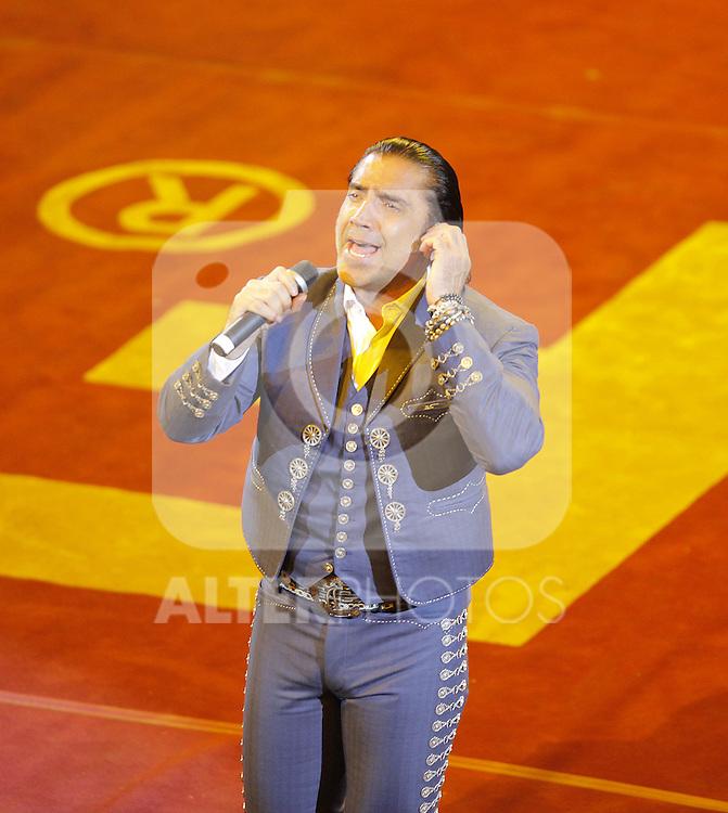 Alejandro Fernandez durante su concierto en el palenque de la Feria de Leon 2013 , Guanajuato el 1 de febrero del 2013....(*Foto:TiradorTercero/NortePhoto*)