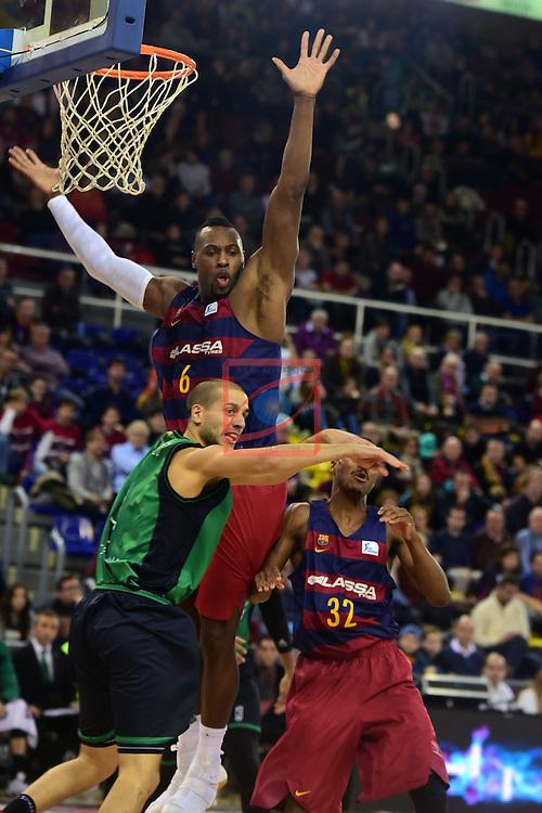 League ACB-ENDESA 2016/2017 - Game: 13.<br /> FC Barcelona Lassa vs Divina seguros Joventut: 79-77.<br /> Joey Dorsey vs Albert Sabat.