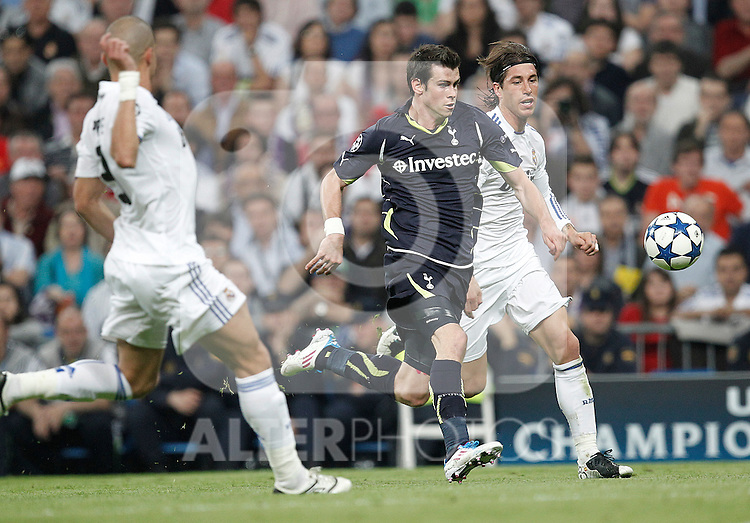 Real Madrid's Sergio Ramos and Tottenham's Gareth Bale during Champions League match on April, 5th 2011...Photo: Cesar Cebolla / ALFAQUI