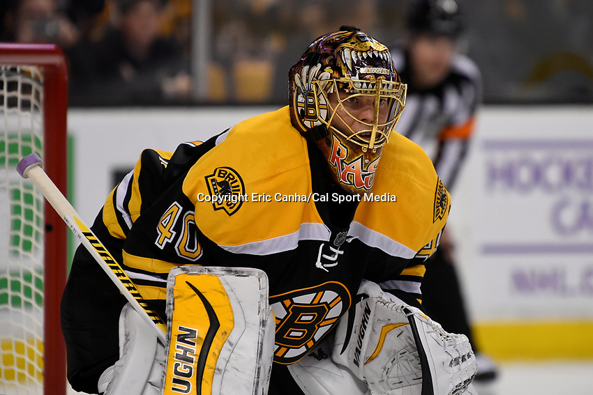 Wednesday, October 21, 2015: Boston Bruins goalie Tuukka Rask (40) waits for a face off during the National Hockey League game between the Philadelphia Flyers and the Boston Bruins, held at TD Garden, in Boston, Massachusetts. The Flyers defeat the Bruins 5-4 in overtime. Eric Canha/CSM