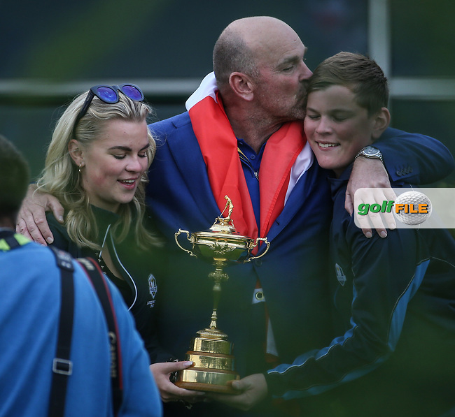 Europe wins the Ryder Cup. Thomas Bjorn (Team Europe Captain) enjoys a private photograph with his children, at Le Golf National, Île-de-France, France. 30/09/2018.<br /> Picture David Lloyd / Golffile.ie<br /> <br /> All photo usage must carry mandatory copyright credit (© Golffile | David Lloyd)