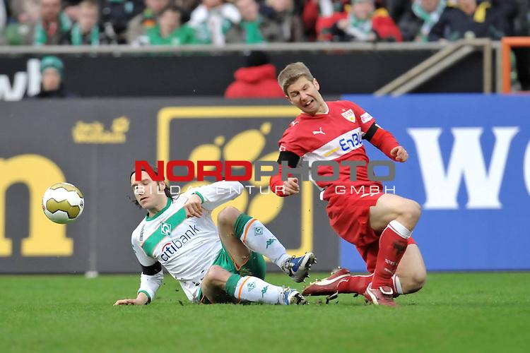 FBL 2008/2009 24. Spieltag Rueckrunde<br />  Werder Bremen - VFB Stuttgart<br /> <br /> Torsten Frings ( Bremen GER #22 ) gegen Thomas Hitzlsperger (VFB #11)<br /> <br /> Foto &copy; nph (nordphoto )