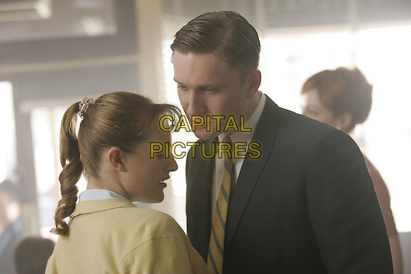 ELISABETH MOSS, AARON STATON<br /> in Mad Men (Season 1)<br /> *Filmstill - Editorial Use Only*<br /> CAP/FB<br /> Image supplied by Capital Pictures