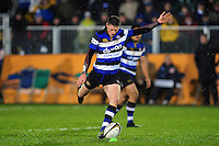 Rhys Priestland of Bath Rugby kicks for the posts. Anglo-Welsh Cup match, between Bath Rugby and Gloucester Rugby on January 27, 2017 at the Recreation Ground in Bath, England. Photo by: Patrick Khachfe / Onside Images
