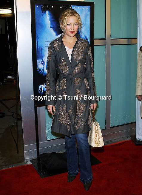 "Kate Hudson arriving at the "" DARK BLUE PREMIERE "" at the Arclight Theatre in Los Angeles. February 12, 2003"
