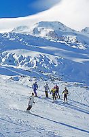 Switzerland, Valais, Saas Fee, skiing at Fee glacier