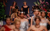 BARCELONA, ESPANHA, 11 DE MAIO DE 2012 - BARCELONA BRIDAL WEEK - CARLA RUIZ  - Desfile da grife Carla Ruiz  no quarto dia do Barcelona Bridal Week, o maior evento de moda nupcial da Europa e um dos maiores do mundo, na Fira Barcelona Gran Via, em Barcelona (Espanha), nesta sexta-feira(10). (FOTO: WILLIAM VOLCOV / BRAZIL PHOTO PRESS).