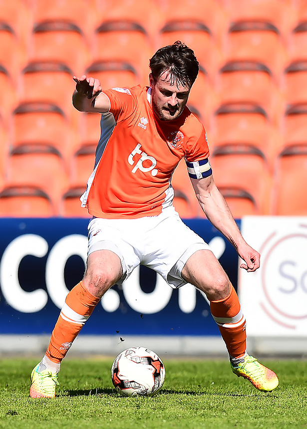 Blackpool's Andy Taylor in action<br /> <br /> Photographer Richard Martin-Roberts/CameraSport<br /> <br /> The EFL Sky Bet League Two - Blackpool v Grimsby Town - Saturday 8th April 2017 - Bloomfield Road - Blackpool<br /> <br /> World Copyright &copy; 2017 CameraSport. All rights reserved. 43 Linden Ave. Countesthorpe. Leicester. England. LE8 5PG - Tel: +44 (0) 116 277 4147 - admin@camerasport.com - www.camerasport.com