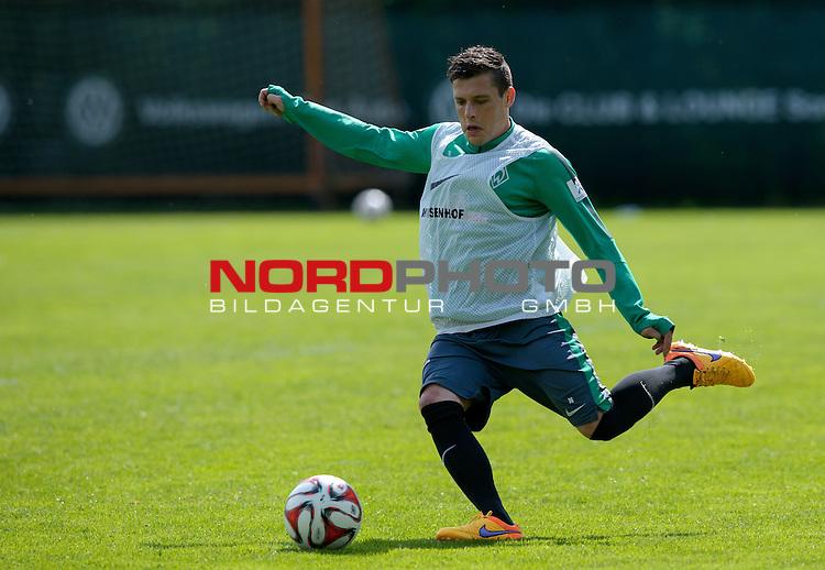 07.05.2015, Trainingsgelaende, Bremen, GER, 1.FBL, Training Werder Bremen, im Bild Zlatko Junuzovic (Bremen #16)<br /> <br /> Foto &copy; nordphoto / Frisch