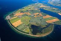 Insel Poel :EUROPA, DEUTSCHLAND, MECKLENBURG- VORPOMMERN 29.06.2005 Insel Poel ist mit 36 km² Fläche die fünftgrößte deutsche Insel, sie liegt in der südlichen Mecklenburger Bucht der Ostsee und begrenzt den Norden der Wismarer Bucht. Sie ist gleichzeitig die amtsfreie Gemeinde Insel Poel im Landkreis Nordwestmecklenburg in Mecklenburg-Vorpommern. Hauptort der Gemeinde ist Kirchdorf am Ende der tief von Süden einschneidenden Bucht Kirchsee. Neben der Wismarer Bucht im Süden wird die Insel im Osten von der Zaufe und dem Breitling sowie im Nordosten durch die Kielung vom Festland getrennt. Der Insel Poel ist im Nordosten die kleine Insel Langenwerder unmittelbar vorgelagert. Poel ist über einem befahrbaren Damm mit dem Festland (Gemeinde Blowatz, Ortsteil Strömkendorf) verbunden. Blickrichtung von Suedwest nach Nordost. Ostsee, Meer, Wasser.Luftaufnahme, Luftbild,  Luftansicht.c o p y r i g h t : A U F W I N D - L U F T B I L D E R . de.G e r t r u d - B a e u m e r - S t i e g 1 0 2, 2 1 0 3 5 H a m b u r g , G e r m a n y P h o n e + 4 9 (0) 1 7 1 - 6 8 6 6 0 6 9 E m a i l H w e i 1 @ a o l . c o m w w w . a u f w i n d - l u f t b i l d e r . d e.K o n t o : P o s t b a n k H a m b u r g .B l z : 2 0 0 1 0 0 2 0  K o n t o : 5 8 3 6 5 7 2 0 9.C o p y r i g h t n u r f u e r j o u r n a l i s t i s c h Z w e c k e, keine P e r s o e n l i c h ke i t s r e c h t e v o r h a n d e n, V e r o e f f e n t l i c h u n g n u r m i t H o n o r a r n a c h M F M, N a m e n s n e n n u n g u n d B e l e g e x e m p l a r !..
