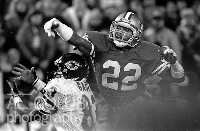 San Francisco 49ers vs Chicago Bears at Candlestick Park Monday, December 14, 1987..49ers Beat Bears 41-0.San Francisco 49ers Defensive Back Tim McKyer (22) knocks ball away from Chicago Bears Wide Receiver Willie Gault (83)..