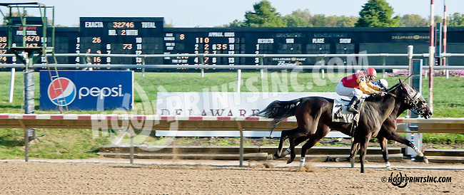 Empress Hatshepsut winning at Delaware Park on 10/2/13