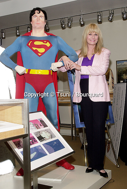 Valerie Perrine posing  at the release on DVD of  Superman the Movie  during a ceremony at the Superman exhibit in Warner Studio Lot in Los Angeles  5/1/2001  © Tsuni          -            PerrineValerie_Superman02.jpg