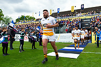 Kieran Brookes and the rest of the Wasps team run onto the field. Gallagher Premiership match, between Bath Rugby and Wasps on May 5, 2019 at the Recreation Ground in Bath, England. Photo by: Patrick Khachfe / Onside Images