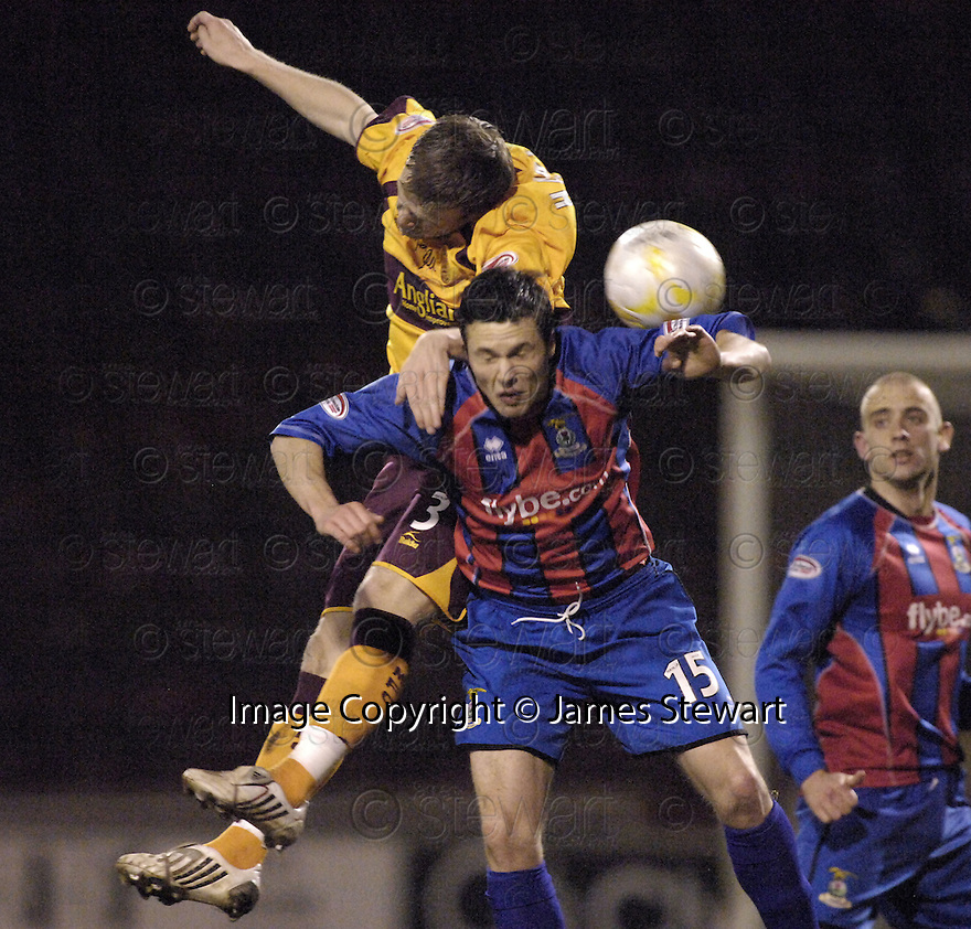 20/02/2008    Copyright Pic: James Stewart.File Name : sct_jspa09_motherwell_v_ICT.DAVID CLARKSON AND DON COWIE CHALLENGE FOR THE BALL.James Stewart Photo Agency 19 Carronlea Drive, Falkirk. FK2 8DN      Vat Reg No. 607 6932 25.Studio      : +44 (0)1324 611191 .Mobile      : +44 (0)7721 416997.E-mail  :  jim@jspa.co.uk.If you require further information then contact Jim Stewart on any of the numbers above........