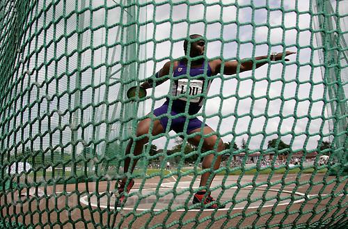 20 MAY 2007 - LOUGHBOROUGH, UK - Emeke Udechuku (LOU) - Loughborough International Athletics. (PHOTO (C) NIGEL FARROW)