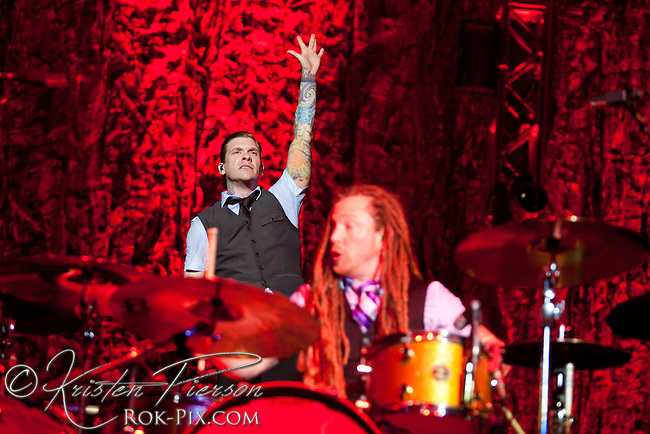Shinedown perform at Mohegan Sun Arena May 3, 2013
