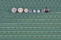 SÃO PAULO, SP, 02 SETEMBRO DE 2012 - CAMPEONATO BRASILEIRO - CORINTHIANS x ATLÉTICO MINEIRO: Movimentação de torcedores antes da partida Corinthians x Atlético Mineiro,  válida pela 20ª rodada do Campeonato Brasileiro de 2012, em partida disputada no Estádio do Pacaembu em São Paulo. FOTO: LEVI BIANCO - BRAZIL PHOTO PRESS