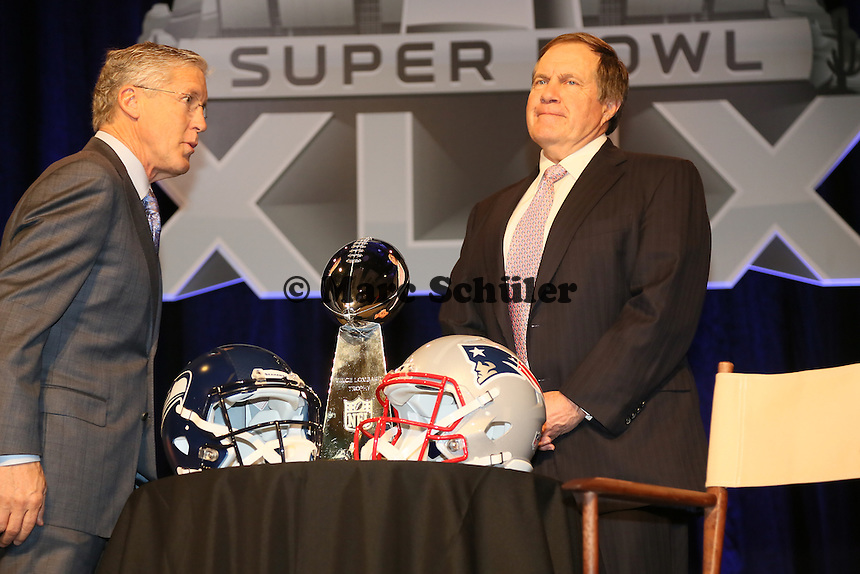 Head Coach Pete Carroll (Seahawks, l.) und Head Coach Bill Belichick (Patriots)  - Gemeinsame Team Pressekonferenz Super Bowl XLIX, Convention Center Phoenix