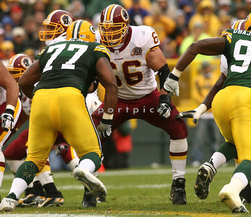 PETE KENDALL, of the Washington Redskins , in action during the Redsins games against the Green Bay Packers, in Green Bay, Wisconsin on October 14, 2007.  ..The Packers won the game 17-14...COPYRIGHT / SPORTPICS..........
