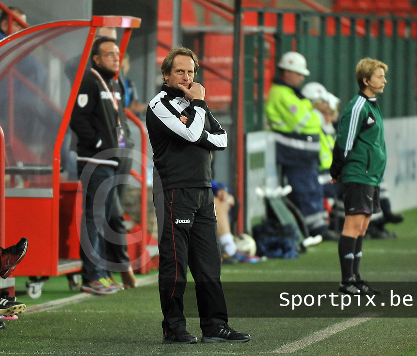 20131009 - LIEGE , BELGIUM : Standard coach Patrick Wachel pictured during the female soccer match between STANDARD Femina de Liege and  GLASGOW City LFC , in the 1/16 final ( round of 32 ) first leg in the UEFA Women's Champions League 2013 in stade maurice dufrasne - Sclessin in Liege. Wednesday 9 October 2013. PHOTO DAVID CATRY