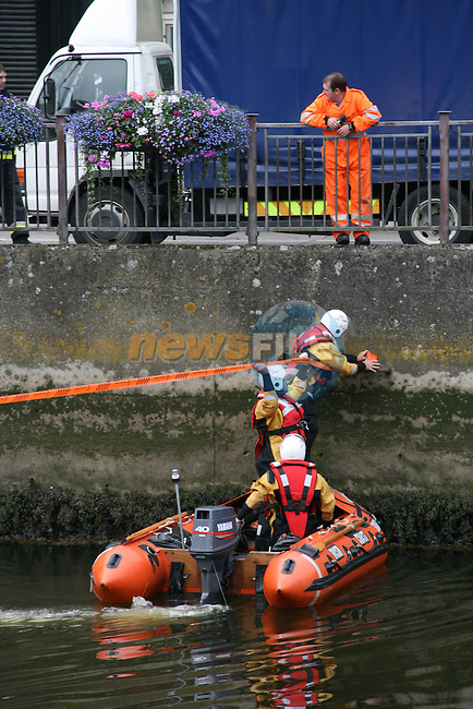 Coastguard in the river Boyne after the oil leak...Photo NEWSFILE/Jenny Matthews.(Photo credit should read Jenny Matthews/NEWSFILE)....This Picture has been sent you under the condtions enclosed by:.Newsfile Ltd..The Studio,.Millmount Abbey,.Drogheda,.Co Meath..Ireland..Tel: +353(0)41-9871240.Fax: +353(0)41-9871260.GSM: +353(0)86-2500958.email: pictures@newsfile.ie.www.newsfile.ie.FTP: 193.120.102.198.