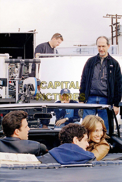 BEN AFFLECK, JUSTIN BARTHA, JENNIFER LOPEZ & MARTIN BREST (WRITER/DIRECTOR/PRODUCER).on the set of Gigli .Filmstill - Editorial Use Only.CAP/AWFF.www.capitalpictures.com.supplied by Capital Pictures.
