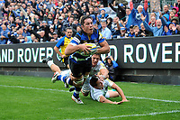Francois Louw of Bath Rugby dives for the Saracens try-line. Aviva Premiership match, between Bath Rugby and Saracens on September 9, 2017 at the Recreation Ground in Bath, England. Photo by: Patrick Khachfe / Onside Images