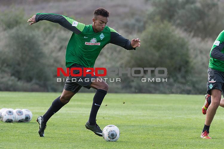 Trainingsgel&auml;nde, Jerez, ESP, 1.FBL, Trainingslager Werder Bremen 2014,  14.01.2014, <br /> <br /> <br /> Melvyn Lorenzen (Bremen #22)<br /> <br /> Foto &copy; nordphoto/ Kokenge