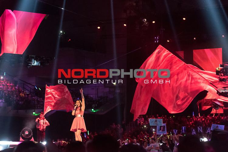 16.05.2015, &Ouml;VB-Arena, Bremen, GER, DSDS sucht den Superstar _ Finale 2015, im Bild<br /> <br /> <br /> Viviana Grisafi (17 What I Did For Love &ndash; David Guetta feat. Emeli Sand&eacute;)<br /> <br /> Foto &copy; nordphoto / Kokenge