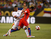 CHICAGO - UNITED STATES, 22-06-2016: Frank Fabra  Jugador de Colombia  durante partido por la semifinal  entre Colombia (COL) y Chile (CHI)  por la Copa América Centenario USA 2016 jugado en el estadio Soldier Field en Chicago, USA.  /  Frank Fabra Player of Colombia (COL)  during a match for the semifinal between Colombia (COL) and Chile  (CHI) for the Copa América Centenario USA 2016 played at Soldier Field  stadium in Chicago, USA. Photo: VizzorImage/ Luis Alvarez /Cont.