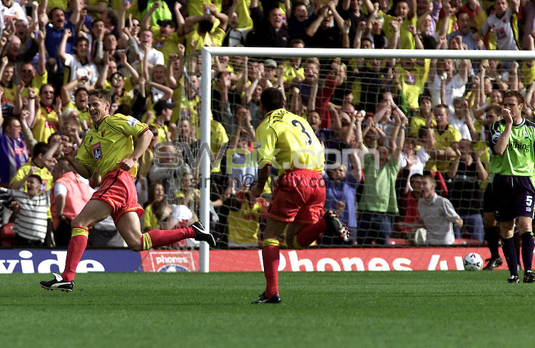 Pix, Shaun Flannery\SWPIX. Nationwide League Division 1.Watford v Barnsley, 19/8/2000..COPYRIGHT PICTURE>>SIMON WILKINSON>>01943 - 436649>>..Domnic Foley peels away after scoring Watfords winner.