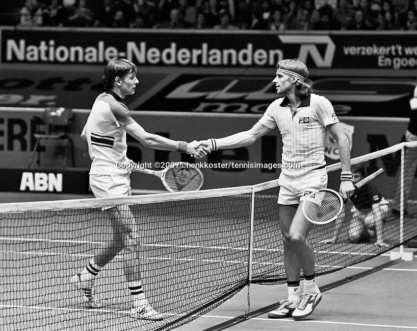 1978,Netherlands,ABN tennis Tournament, Rotterdam, Louk Sanders (NED) shakes the hand of Bjorn Borg (SWE)