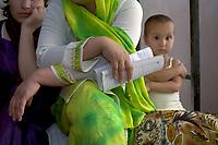 AFGHANISTAN, 06.2008, Tscharikar/Charikar. Krankenhaus: Hebammenschule. Die Kindersterblichkeit ist extrem hoch, die Regierungen versuchen, mittels vom Ausland finanzierten Ausbildungsprogrammen ihrer Herr zu werden.   Hospital: Midwifes school. Infants' mortality rate in Afghanistan is raging and the governements try to tame it with foreign-sponsored education efforts.<br /> © Marzena Hmielewicz/EST&OST