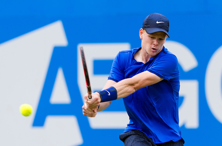 Kyle Edmund of Great Britain in action during his victory over Gilles Simon of France in their Men&rsquo;s Singles First Round match - Kyle Edmund (GBR) def Gilles Simon (FRA) 6-4, 3-6, 6-1<br /> <br /> Photographer Ashley Western/CameraSport<br /> <br /> Tennis - Aegon Championships 2016- Day 3 - Wednesday 15th June 2016 - Queen's Club - London <br /> <br /> World Copyright &copy; 2016 CameraSport. All rights reserved. 43 Linden Ave. Countesthorpe. Leicester. England. LE8 5PG - Tel: +44 (0) 116 277 4147 - admin@camerasport.com - www.camerasport.com