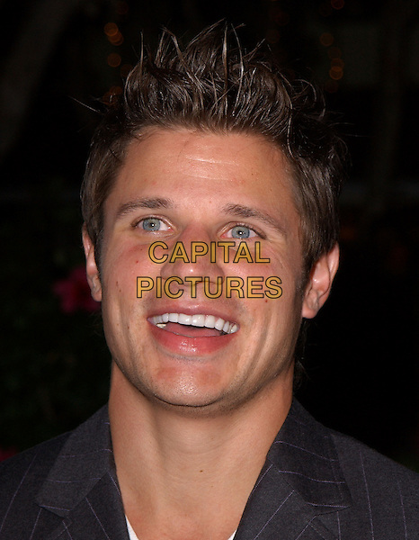 NICK LACHEY.The Reef Rescue 2004 Benefit for The Reef Check Foundation held at The Victorian in Santa Monica, California.September 30, 2004.headshot, portrait, smiling, laughing.www.capitalpictures.com.sales@capitalpictures.com.Copyright by Debbie VanStory
