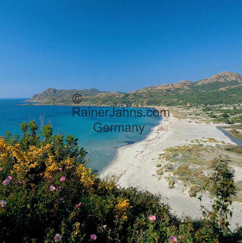 France, Corsica, near I'lle Rousse: secluded beach   Frankreich, Korsika, bei I'lle Rousse: Leerer Strand