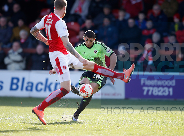 Che Adams of Sheffield Utd takes a shot on goal - English League One - Fleetwood Town vs Sheffield Utd - Highbury Stadium - Fleetwood - England - 5rd March 2016 - Picture Simon Bellis/Sportimage