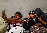 """Migrantes reciben atención medica, alimentación, aseo personal y un lugar para descansar en el comedor Comunitario de la Colonia San Luis de Hermosillo Sonora.<br /> <br /> La Caravana del Migrante con un contingente de alrededor de 600 personas en su mayoría de origen centroamericano, arribo a Hermosillo Sonora a bordo del tren conocido como """"La Bestia"""", provienen de la frontera Sur del País y con rumbo a la ciudad de Mexicali donde continuaran el viaje hasta Tijuana.<br /> La caravana tiene como objetivo solicitar <br /> asilo a Estados Unidos y algunos integrantes piensan solicitar una visa humanitaria en México para laborar en los campos de Sonora y Baja California.<br /> Photo: NortePhoto/Luis Gutiérrez)"""