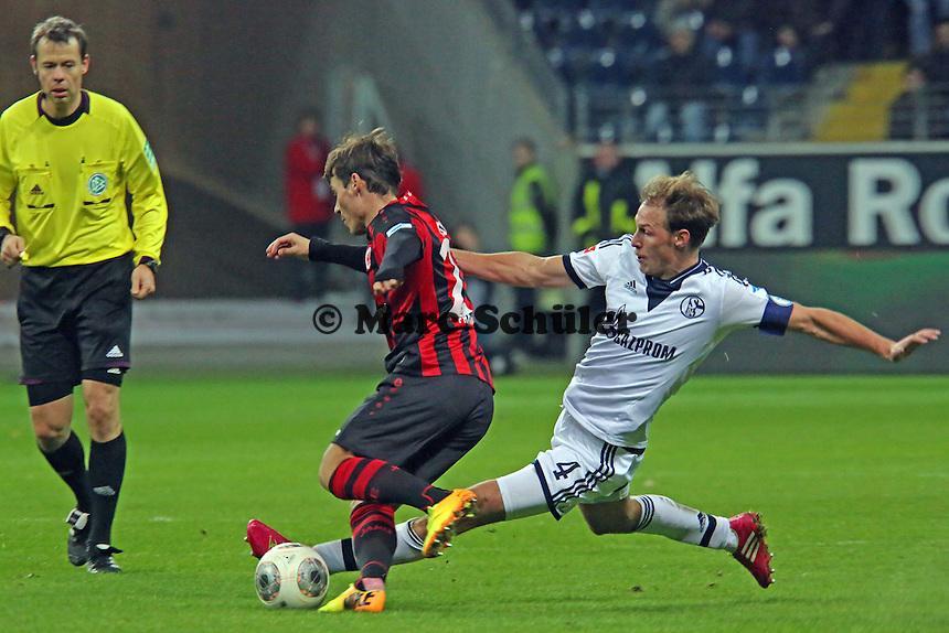 Stefano Celozzi (Eintracht) gegen Benedikt Höwedes (Schalke) - Eintracht Frankfurt vs. FC Schalke 04, Commerzbank Arena