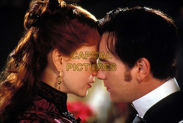 NICOLE KIDMAN & EWAN MCGREGOR.in Moulin Rouge.Filmstill - Editorial Use Only.Ref: 10835.www.capitalpictures.com.sales@capitalpictures.com.Supplied by Capital Pictures